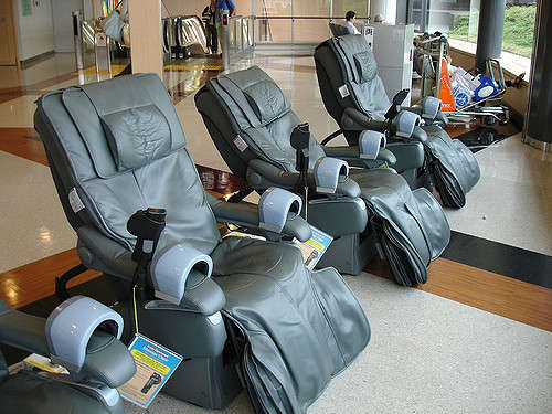 Label Reusage Shiatsu Massage Chair Collection